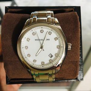 Michael Kors Watch. NWT. Needs 🔋 🤗